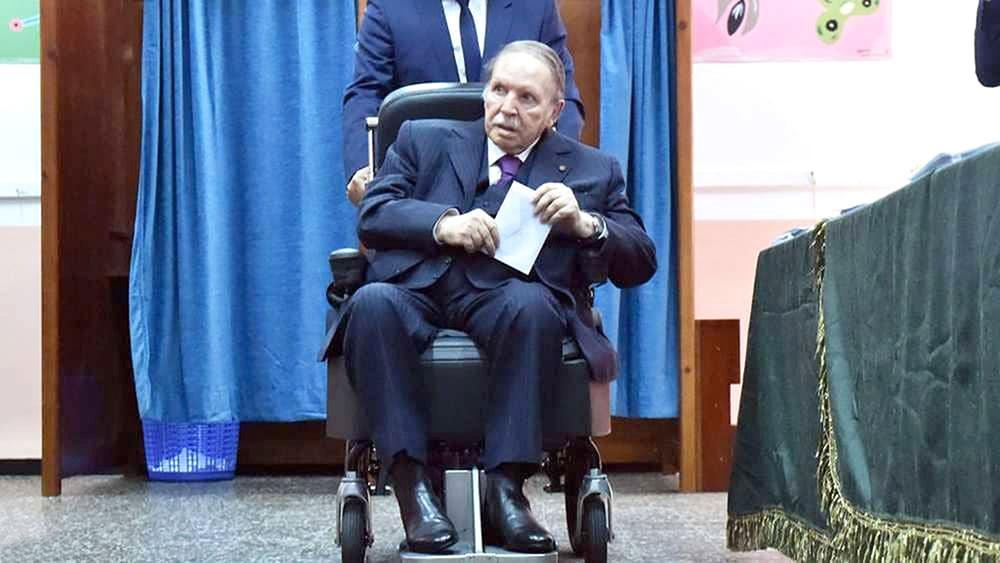 بوتفليقة يترشح رسميا لولاية خامسة