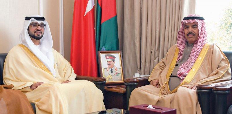 وزير الدفاع يؤكد العلاقات البحرينية الإماراتية