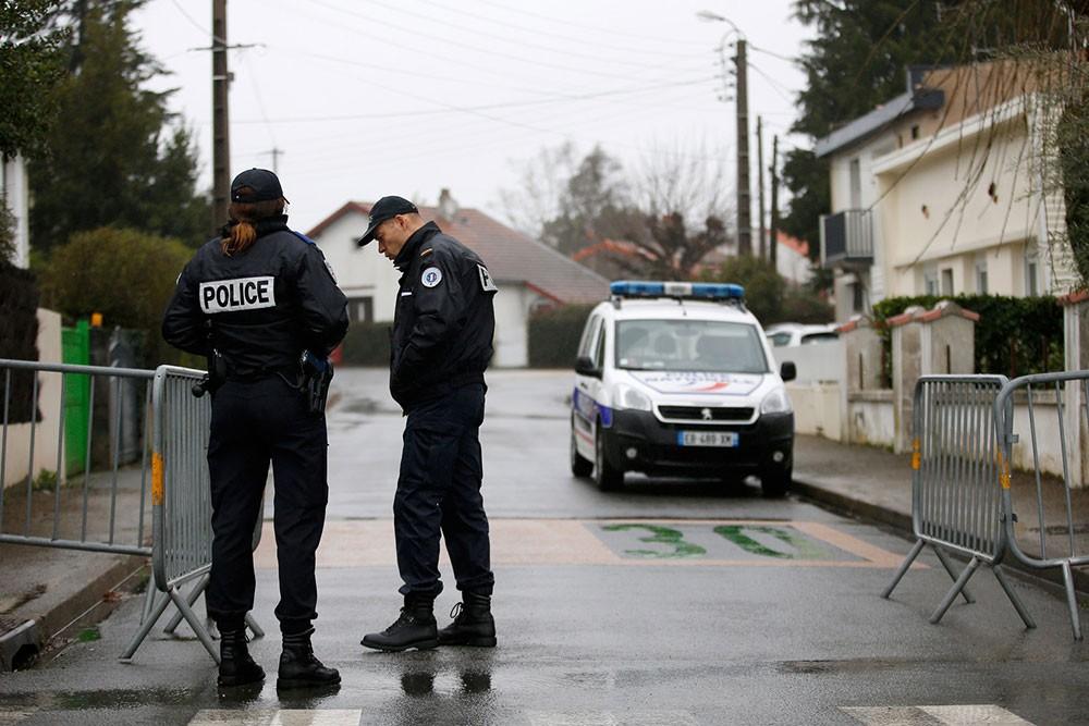 """""""هجوم إرهابي"""" داخل سجن فرنسي"""