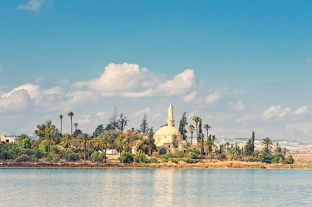 """""""قبرص"""" جزيرة الحب والشواطئ الخلابة"""