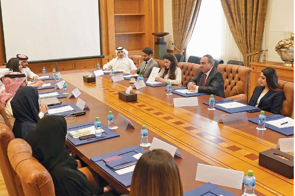 برنامج النائب الأول يهتم بتطوير الكوادر الوطنية
