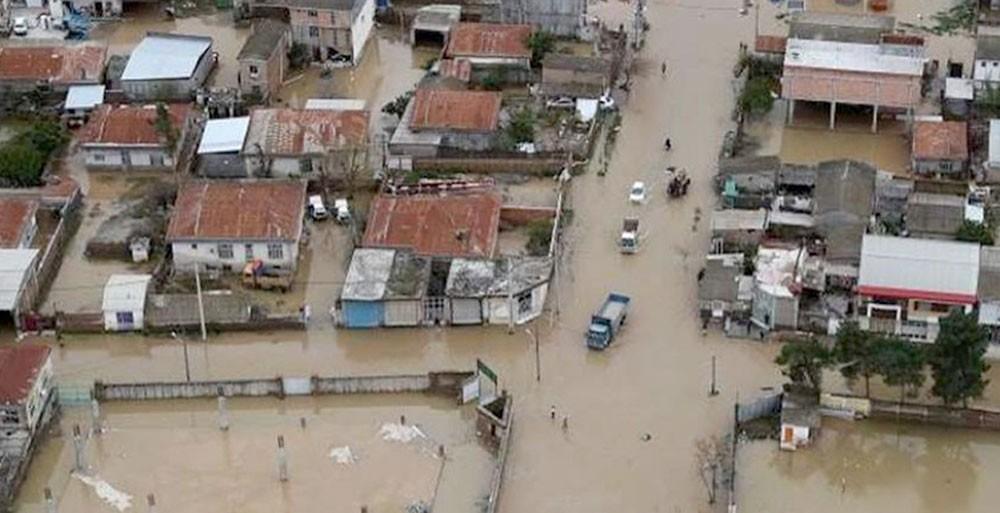 السيول تجرف المنازل والمدارس في إيران