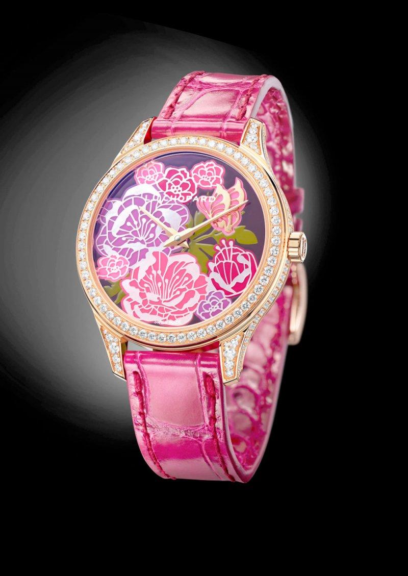 """ساعة """"Fleurier Peony""""... تجسيد لسحر أزهار الفاونيا"""