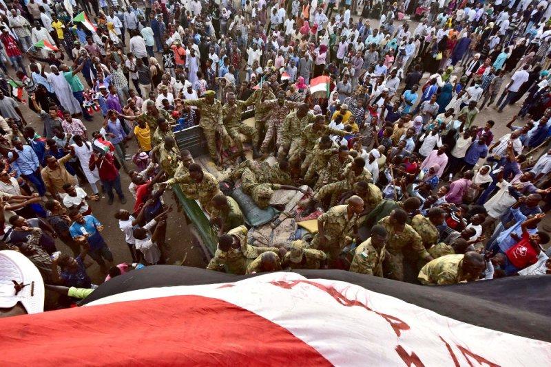 تجمع المهنيين السودانيين يدعو لحل مؤسسات النظام السابق