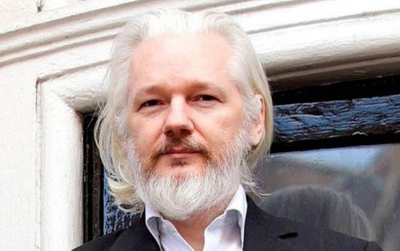 """السجن 50 أسبوعًا لمؤسس """"ويكيليكس"""""""