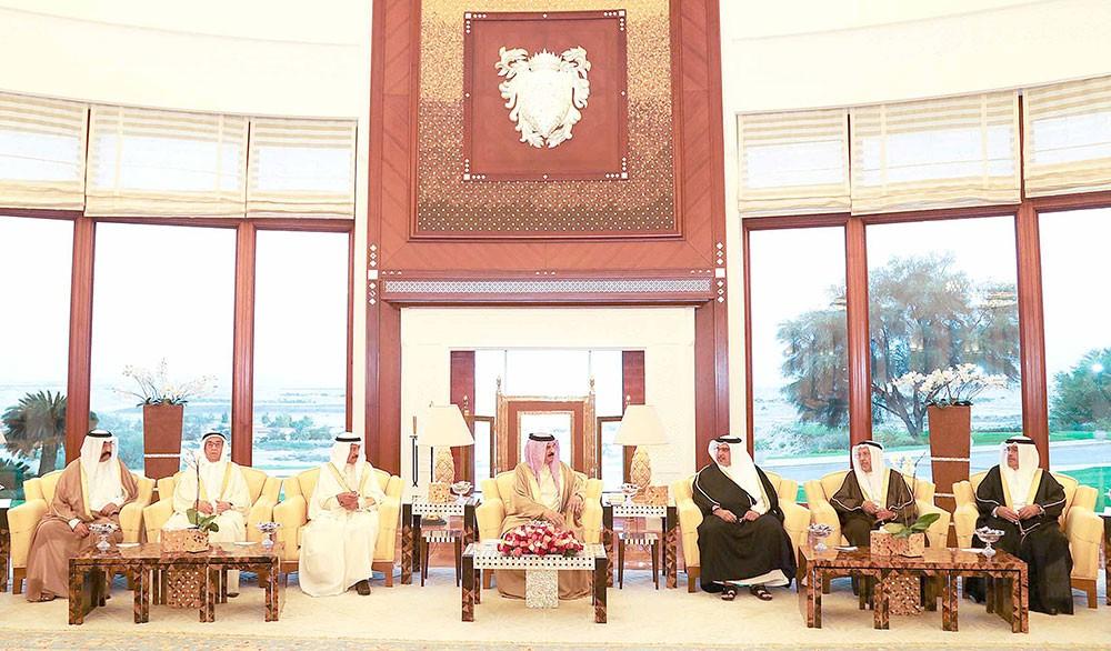 العاهل يقيم مأدبة إفطار بمناسبة حلول شهر رمضان بحضور سمو رئيس الوزراء وسمو ولي العهد