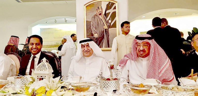 حمود بن عبدالله يحضر مأدبة وزير الخارجية السعودي