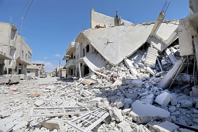 الأسد ينتزع بلدة إستراتيجية