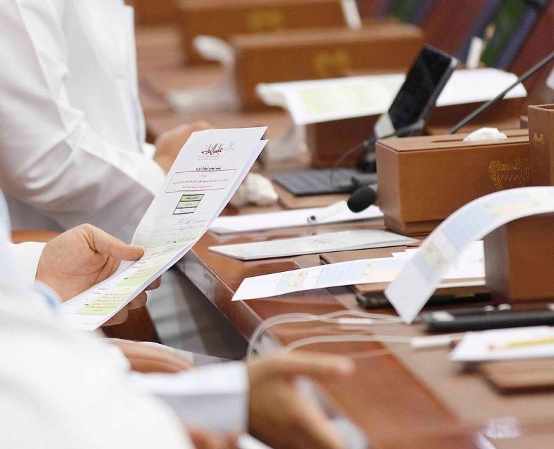 """الأنصاري: تخبط إدارة """"طيران الخليج"""" وراء خسائرها"""