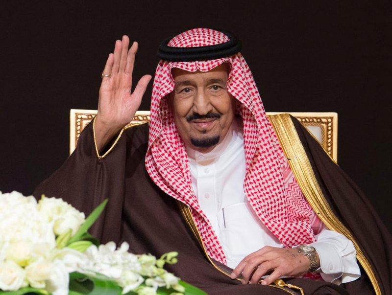 العاهل السعودي يدعو إلى قمتين طارئتين خليجية وعربية