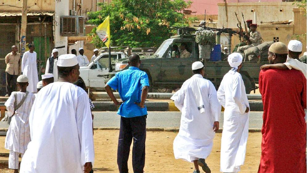 المعارضة السودانية توقف العصيان وتسمي رئيس الحكومة