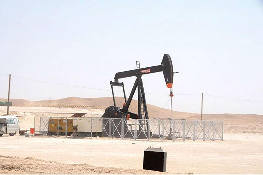 قانون يسمح للشركات الأجنبية بتملك مشروعات استخراج النفط
