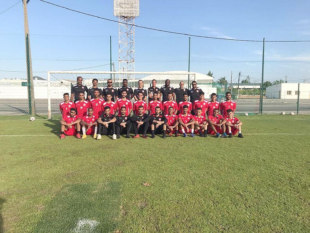 المنتخبان الأول والأولمبي لكرة القدم يختتمان معسكر البرتغال