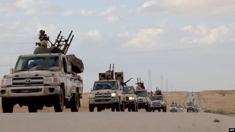 قوات حفتر تقصف قاعدة جوية للوفاق بمصراتة