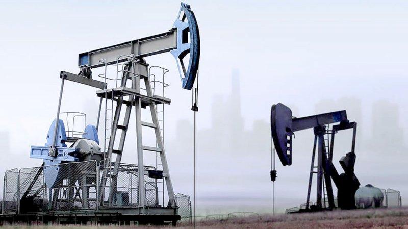 النفط يتراجع بسبب توقعات بانخفاض الطلب والنزاع التجاري