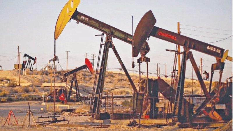 """النفط يرتفع بفضل الحديث عن زيادة تخفيضات """"أوبك"""""""