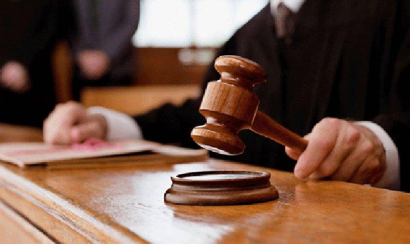بدء محاكمة 4 حذفوا أسماء الممنوعين من الدخول للبلاد