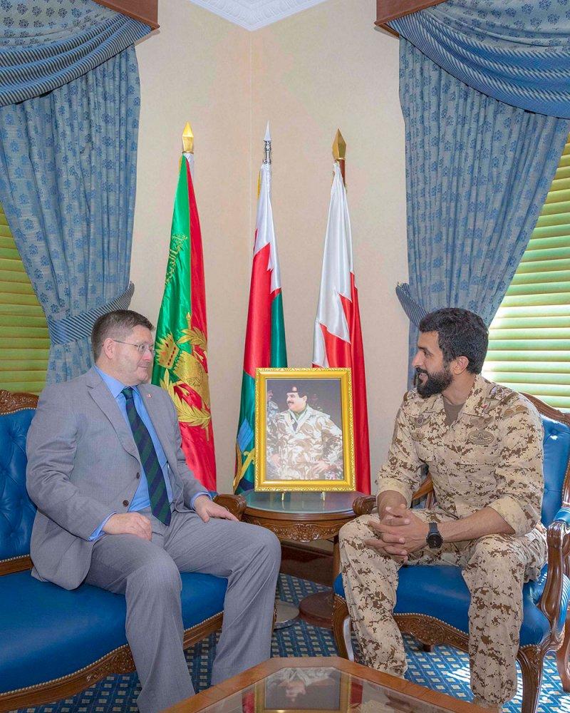ناصر بن حمد يشيد بمسار العلاقات البحرينية البريطانية