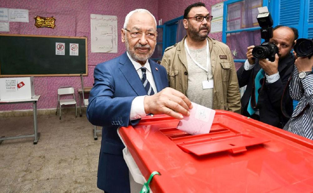 """""""النهضة"""" تتمسك برئاسة الحكومة التونسية"""