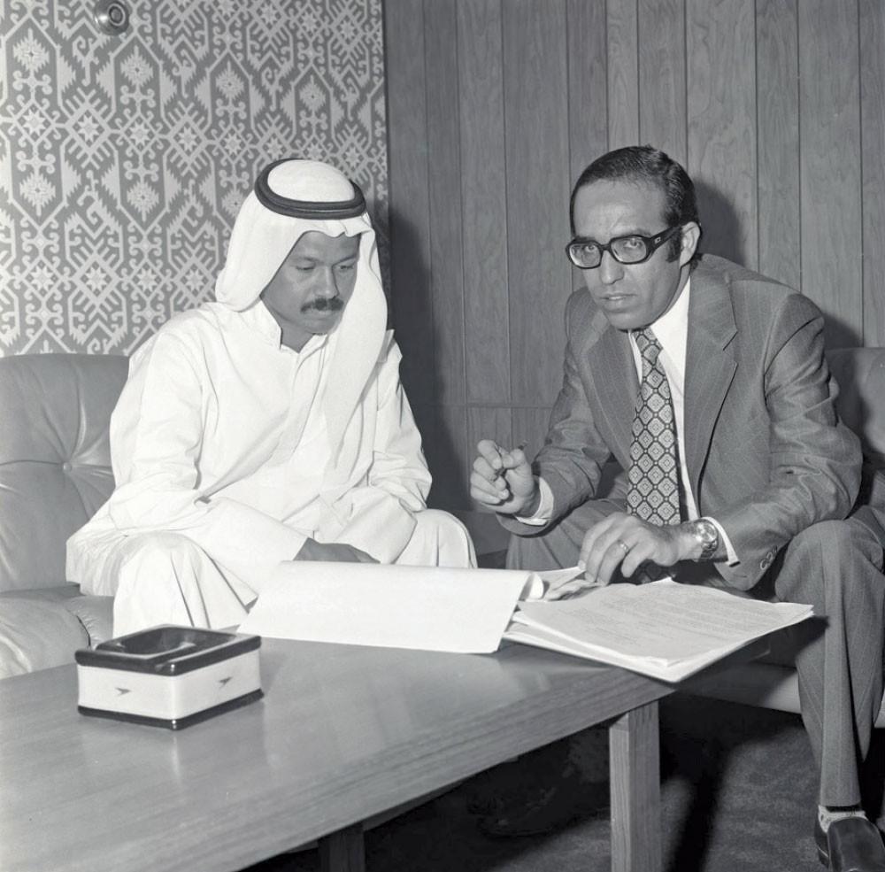 إبراهيم عبدالكريم يسرد كيف أصبحت البحرين مركزا ماليا