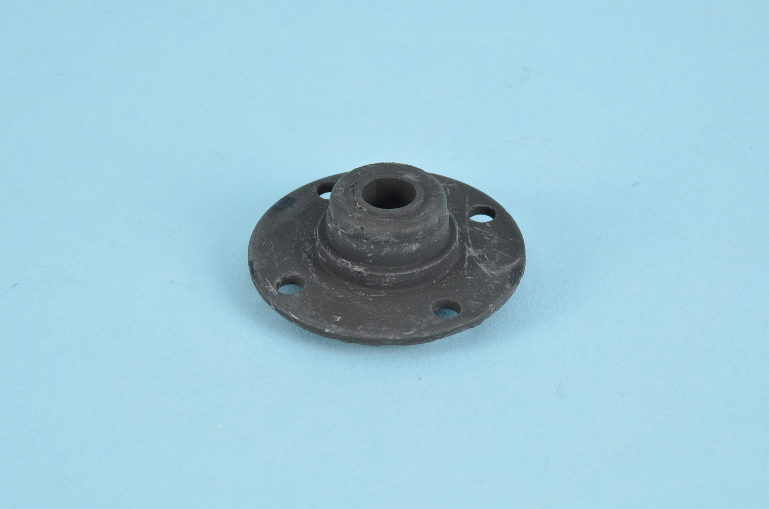 SUPPORT BUSHING SPLASH SHIELD