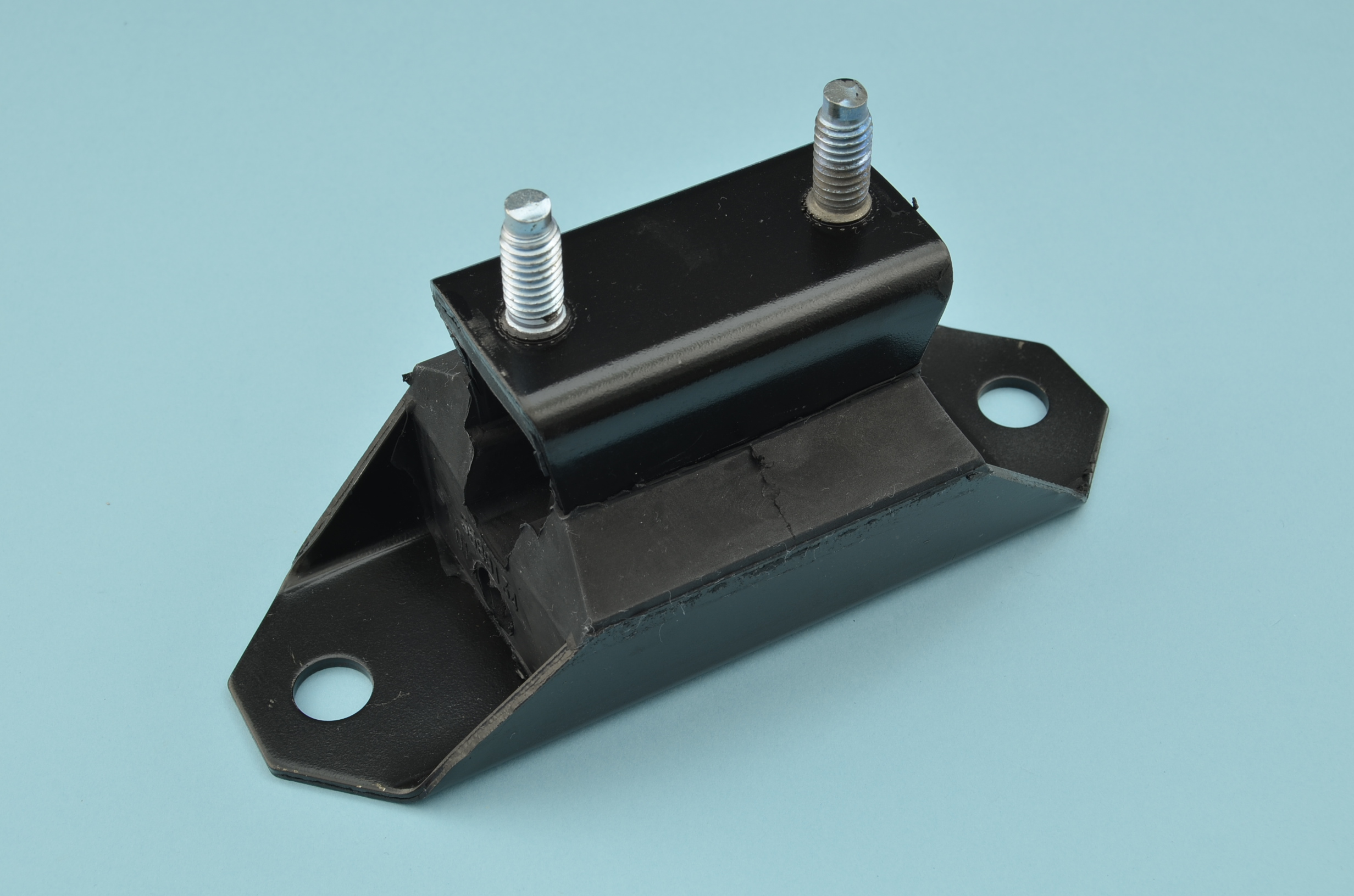 ENGINE MOUNT ASSEMBLY REAR