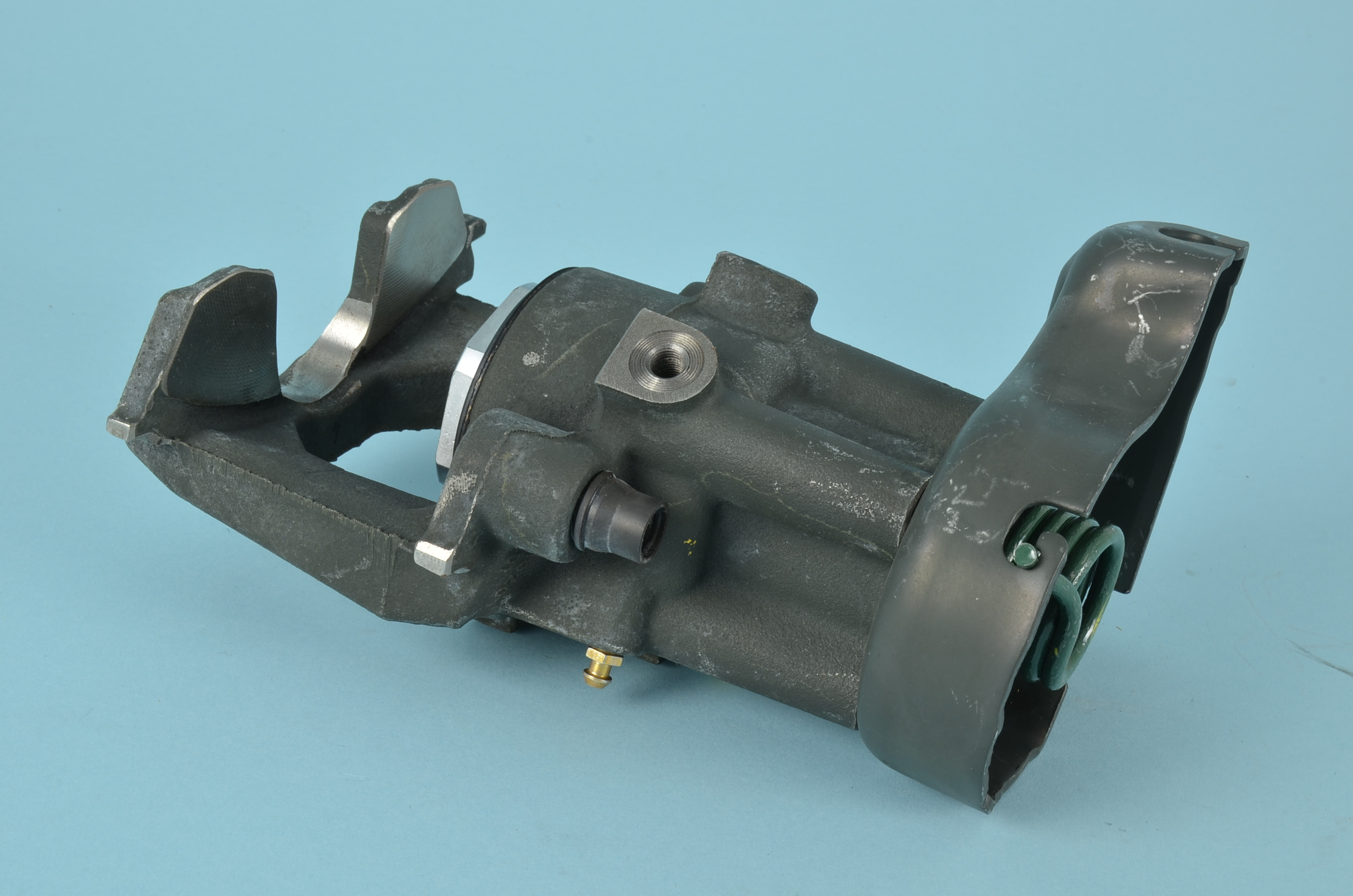 CALIPER HOUSING ASSEMBLY RH REAR