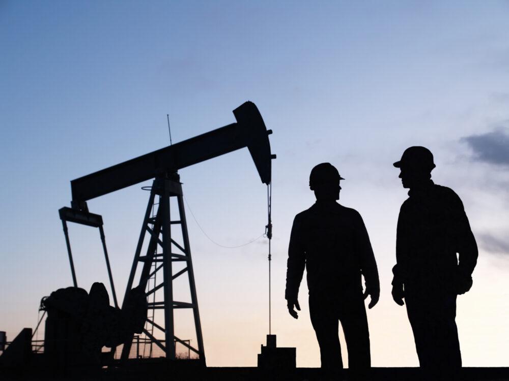 OilGasiStock-108224465.jpg