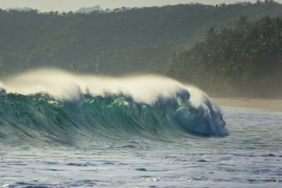 surfing-sumba-island
