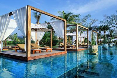 Khoa Lak hotel pool