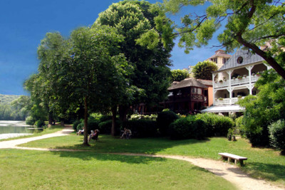 The exterior and grounds of the hotel