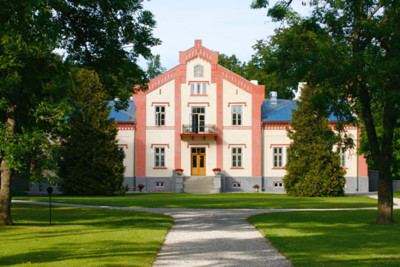 padaste manor in the sun
