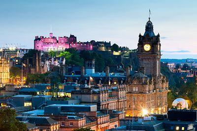 Edinburgh Castle lit up at night