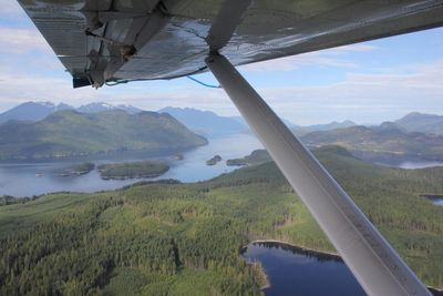 Knight Inlet Lodge plane ride