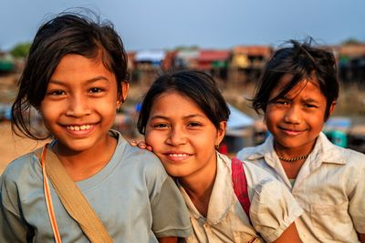 cambodian young girls smiling