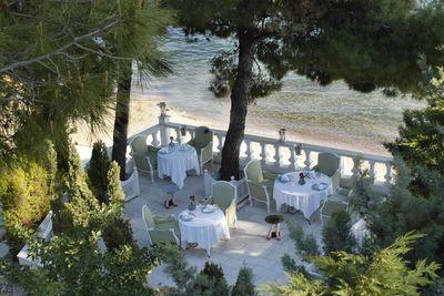 squirrel restaurant terrace