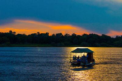 zambia boat trip