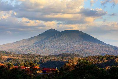 nicaragua mombacho mountain