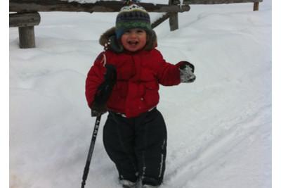 young_children_skiing