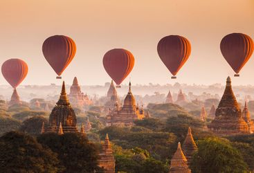 Balloons over Bagan temples