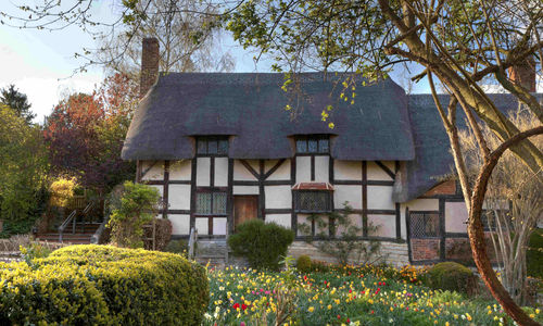 Anne Hathaway's thatched cottage in Stratford