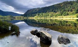 An image of Glendalough lake, Dublin