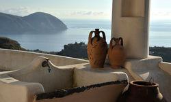 Aeolian island view