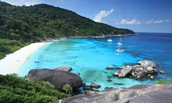 Crescent Beach - Similan Islands