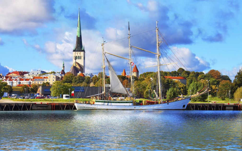 an overview of estonia Experience the medieval architecture, untouched nature and nordic food in estonia.