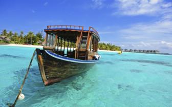 A Dhoni Boat Drifting