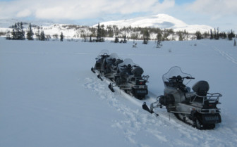 Snowmobiles in Are