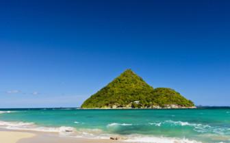Sugar Loaf Island in Grenada