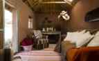 indoor waiting area/ restauraunt