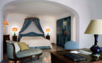 Bedroom at the Le Sirenuse